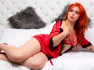 Laura_Red
