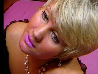blondematurex's Live Cam