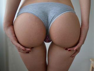 Watch SexyPlayfulChic cam
