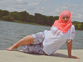 Watch MuslimAneesa cam