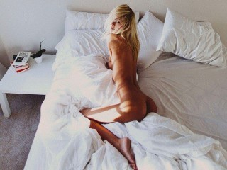 Watch AnabelleBlondy cam