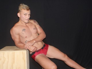 EddieBigMuscled (22)
