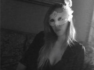 Watch LadyHawke cam