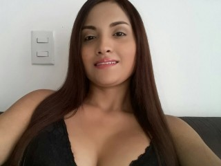 Watch analuciasexi22 cam