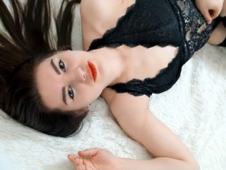 I Am Caucasian, I Have Brown Hair! I'm A Cam Desirable Female And At Streamate People Call Me ChloeConor