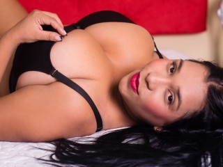I'm 20 Years Of Age! I'm A Sex Chat Cute Woman! My Streamate Name Is JoslinWillis! I Have Black Hair