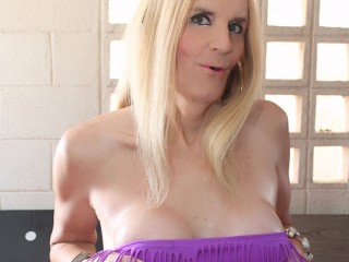I Have Blond Hair And I Am Named JenniferBlondeDomSub! I'm 38