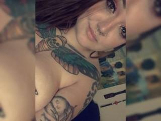 Screen Shot of MeganMeadowz]