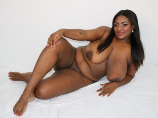 Webcam Snapshop for Model Amberluxury