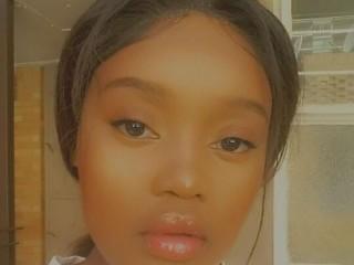 Webcam Snapshop for Model JUICY_BEHINDxx