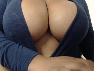 Webcam Snapshop for Model DENDELION_QUEEN