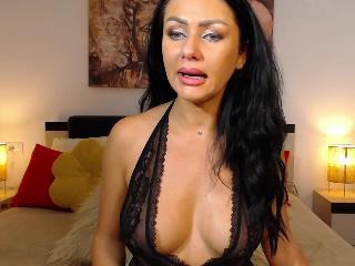 Screen Shot of LauraJade18]