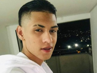 Chat with jhuan_hotville18