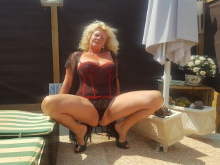THESensualhorny @ It's Live