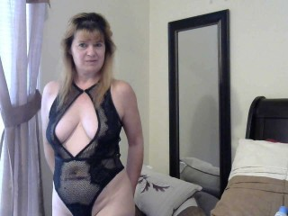 hotmilf0667's Live Cam