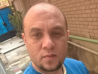 I Am Caucasian And People Call Me InzoMossy And I Have Black Hair, I'm A Cam Attractive Gentleman And My Age Is 37 Yrs Old