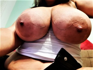 SweetBoobs42DDD's Live Cam