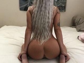 Blondebomb22