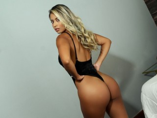 Blair_Adams's Live Cam