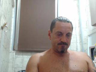 Chat with KinkyGonzo