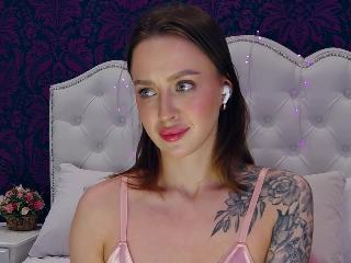 APRIL_BROWNN's Live Cam