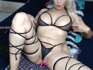 BlondeHott's Live Cam