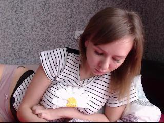 Webcam in diretta di Strawberry_Kira